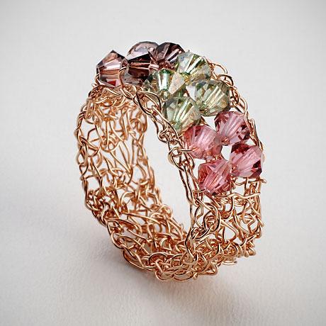 טבעת סרוגה מגולדפילד עם חרוזי קריסטל סוורובסקי