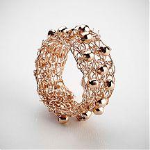 טבעת סרוגה מגולדפילד